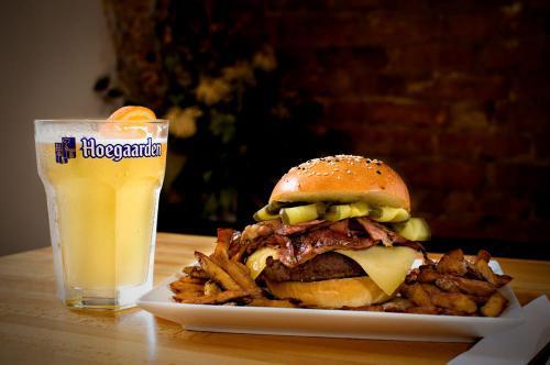 Burger-Bar-Burgers-11