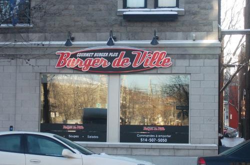 Burger-de-Ville-Exterior