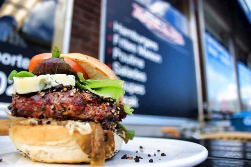 Burger-de-Ville-Meals-11