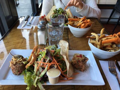 La-Boulette-1-meals