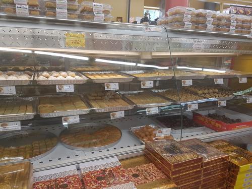 akhavan-sweets