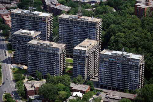 cote-des-neiges-rock-hill-towers